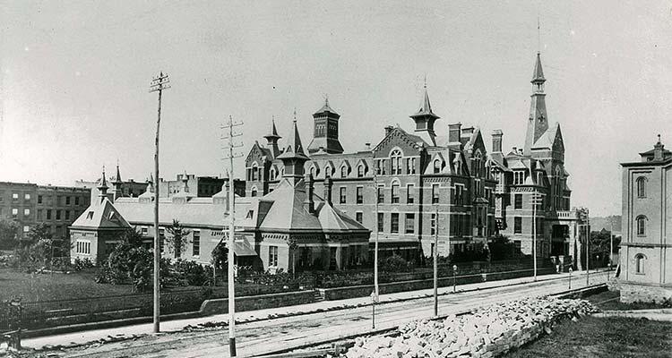 Roosevelt Hospital (New York, N Y ) Records, 1871-2000